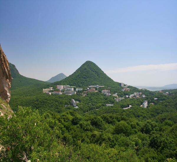 Панорама_курортного_Железноводска.jpg