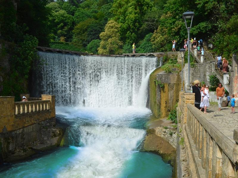 НА водопад.jpg